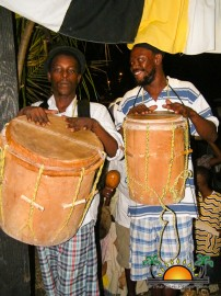 Black-and-White-Garifuna-Cultural-Bar-10