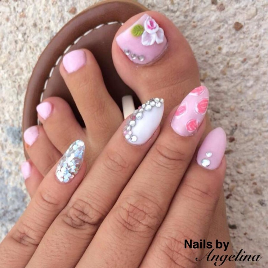 Just recently I was invited over to get a little pampering, and with all  the buzz around town about Nails by Geli- I just had to check it out. - What's Hot Around Town: Nails By Angelina! - My Beautiful Belize
