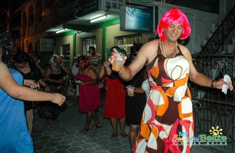 Carnaval Barbies-3