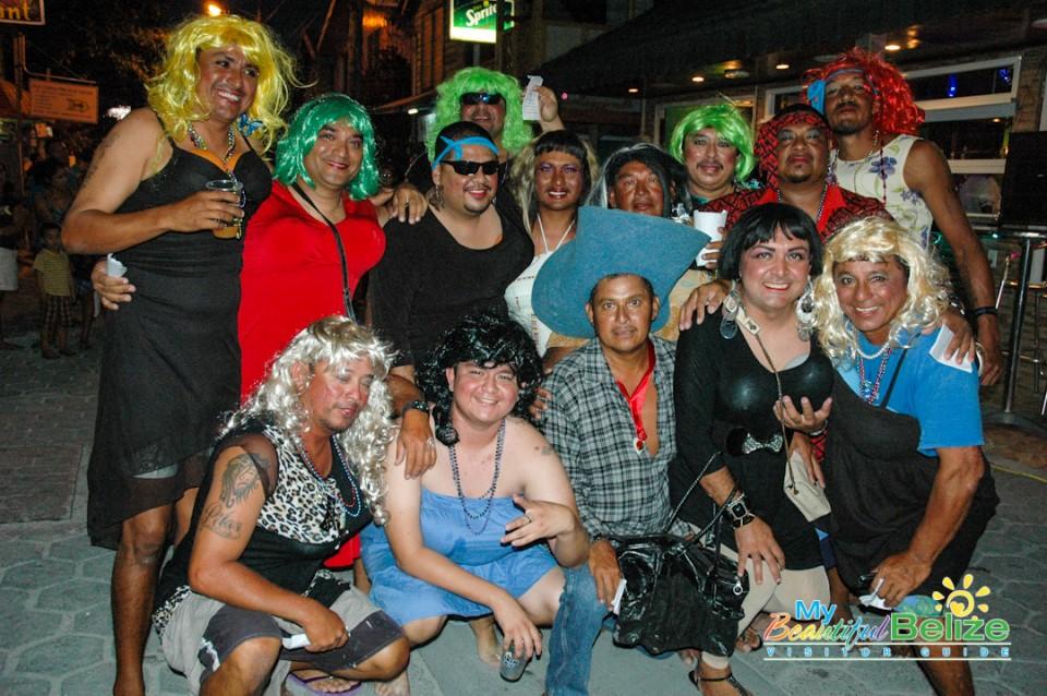 Carnaval Barbies-6
