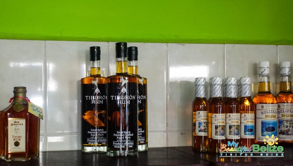 Travellers Liquors Belizean Rum Kuknat-3