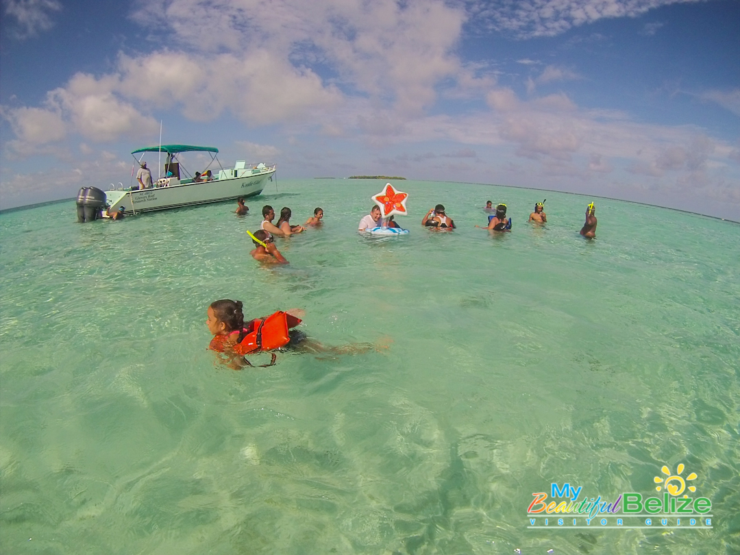 Glovers Reef Atoll Swim