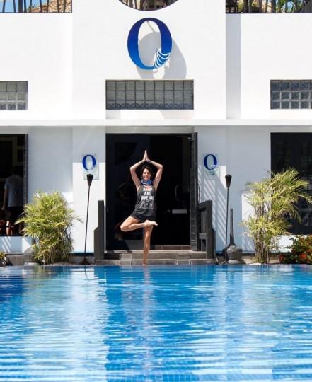 Yoga in Belize (1)